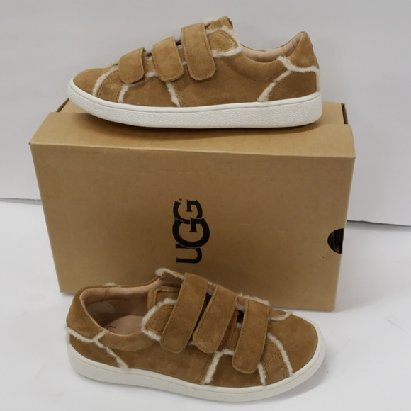 1d01effbaa6 Ugg Alix spill seam sneaker shoes size 5 Boutique